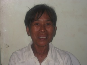 Manang Fely lost her entire family.  Lina listened to her story.
